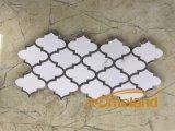 カラーラの高品質の床そして壁のための白い大理石のモザイク・タイル