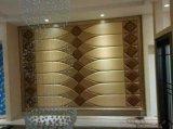 Fragmento de un panel de pared exterior decorativo del aislante del metal del ladrillo 3D