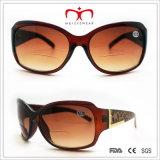 De modieuze en Hete Plastic Zonnebril van de Lens van de Dames van de Verkoop Bifocale (WRP412161)