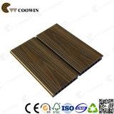 O plástico de vinil pavimenta o revestimento de madeira do composto WPC