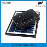 移動式充電器が付いている太陽キットをつけている小型グループ