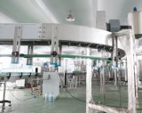 Compléter la machine de remplissage mis en bouteille d'eau potable