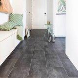 Un revêtement de sol en vinyle PVC de 5 mm pour la salle à manger