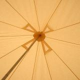 يخيّم [بلّ تنت] خارجيّ خيمة لأنّ شاطئ مظلة [بلّ تنت]
