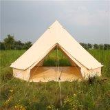 Sous la tente de Bell médiévale de toile de temps avec 2 portes