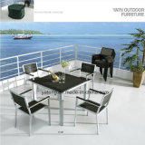 Presidenza di alluminio accatastabile della mobilia esterna con la presidenza PS-Di legno del bracciolo (YTA387)