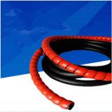 Chemise de emballage spiralée de câble en plastique de qualité pour la grue de chariot élévateur