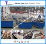 Leichte WPC Profil-Strangpresßling-Zeile für Decking, hölzerne zusammengesetzte Plastikmaschine