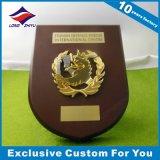 Металлическая пластинка эмали золотистая деревянная с смешной логосом