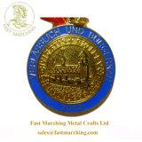 カスタムリボンの金の円形浮彫りのネックレスの金属はスポーツのためのメダルをからかう