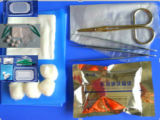 A sutura descartável médica remove o jogo