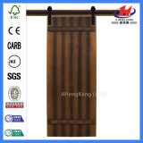 Interior insonoro de madera que resbala puertas de granero