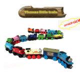 Las pistas magnéticas de madera de los trenes de Thomas fijaron los juguetes educativos de los niños del regalo de la Navidad