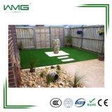 Grama artificial ao ar livre do jardim para a decoração Home