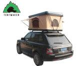 fuori dalla tenda dura di campeggio della parte superiore del tetto dell'automobile delle coperture della strada