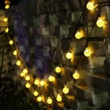 La chaîne de caractères de globe de lumières de Noël allume les lumières actionnées solaires de chaîne de caractères de chaîne de caractères de lumières de mode chaud extérieur imperméable à l'eau du blanc 8 pour le jardin campant de pelouse de mariage de Noël