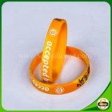 Kundenspezifischer SilikonWristband mit Firmenzeichen Debossed und Tinte gefüllt