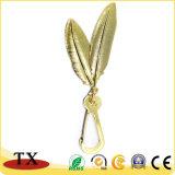 Qualitäts-Blatt-Form-Metall Keychain mit Gold-und Gewehr-Überzug-Effekt