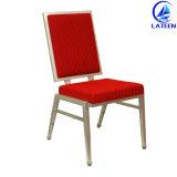 快適なクッションのホテルの宴会の金属の椅子