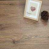 Alto suelo laminado de madera de HDF con favorable al medio ambiente impermeable