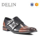 Delinの快適な人の倍のバックルの革靴