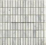 Mattonelle di mosaico di pietra di marmo grige bianche impilate del reticolo