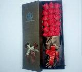 В День Святого Валентина букет цветов упаковки, бумаги и бумаги в салоне, подарочная бумага цветов подарков упаковки дизайн