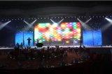 Exhibición de LED de alquiler de interior de alta resolución del RGB P4