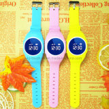 Gift D11를 위한 Ios 또는 Android Pedometer Waterproof Kids GPS Tracker Watch