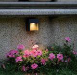 [10و] [لد] خارجيّة حديقة جدار ضوء مع [س]