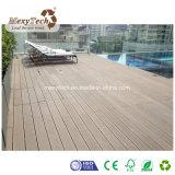 Decking modificado para requisitos particulares impermeable del compuesto del grano de madera al aire libre WPC
