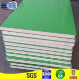 Aislamiento de poliuretano PU de paneles sándwich de pared