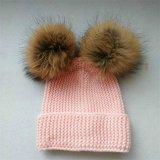 큰 POM 베레모 모자를 가진 뜨개질을 한 모자 여자 모자