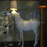 Самомоднейший стоящий большой светильник пола лошади для освещения лоббиа проекта