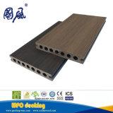 Coextrusion en bois en plastique imperméable à l'eau de Decking composé chaud de la vente Co-Extrused