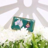 La Chine fournisseur vêtement personnalisé gravé en 3D d'un insigne de petites lettres en métal