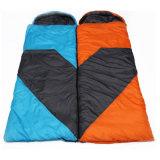 Winter kampierend, Schlafsack-gut blauen orange neuen Schlaf-Beutel wandernd