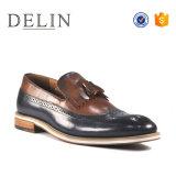 Для изготовителей оборудования на заводе новой моды мужчин повседневная обувь с кожи
