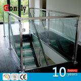 熱い販売のステンレス鋼の手すりのステアケースの手すりのためのガラス柵台地の柵デザイン