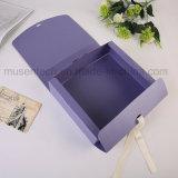 Un buen diseño Pearl caja con cinta de opciones de plegado de papel