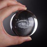 Sfera di cristallo incisa laser con la sfera di vetro di 3D K9 per il ricordo della decorazione di Ome