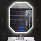 Specchio chiaro del supporto della parete del LED/specchio illuminato della stanza da bagno dello schermo di tocco dello specchio con antinebbia