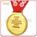 Medaglia corrente del metallo del premio di sport dell'oro di maratona su ordinazione del regalo del ricordo