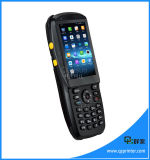 PDA tenu dans la main androïde avec le lecteur de NFC Smart Card