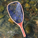 マスの明確なゴム製純木のフライフィッシングのたも網