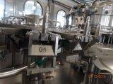 Máquina de rellenar de la cola automática llena de 18 pistas en botellas del animal doméstico