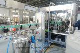 Empaquetado automática de botellas de PET de equipos de llenado de agua mineral.