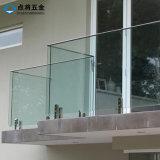 OEMの安全バルコニーのための装飾的なガラス柵の栓