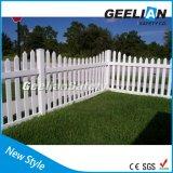 Cercado al aire libre coloreado brillante modificado para requisitos particulares del PVC del jardín de la decoración del diseño
