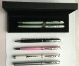 Pen in de Doos die van de Gift wordt geplaatst
